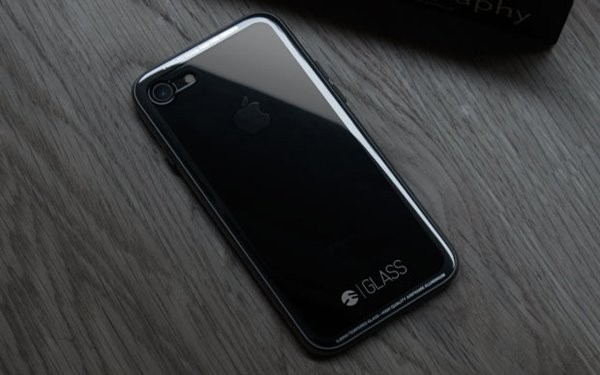 стеклянный чехол для айфона