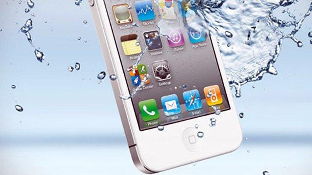 если уронили iPhone в воду