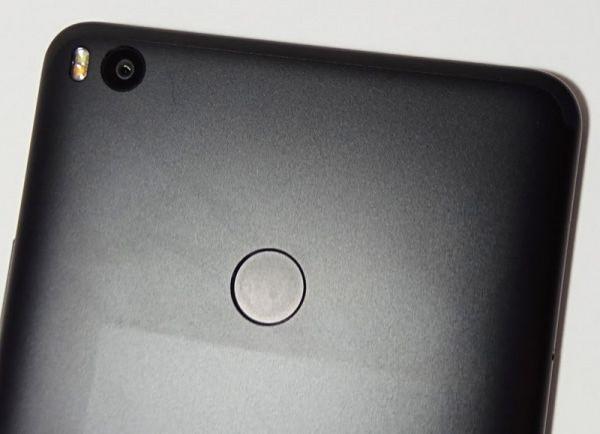 Дактилоскоп в Xiaomi Mi Max 2