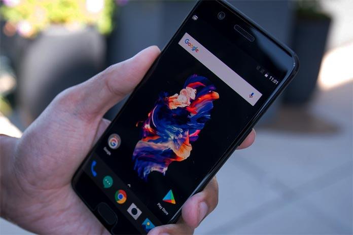 смартфон OnePlus 5T