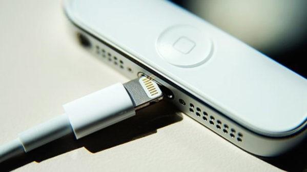 подключение iPhone и iPad к зарядному устройству
